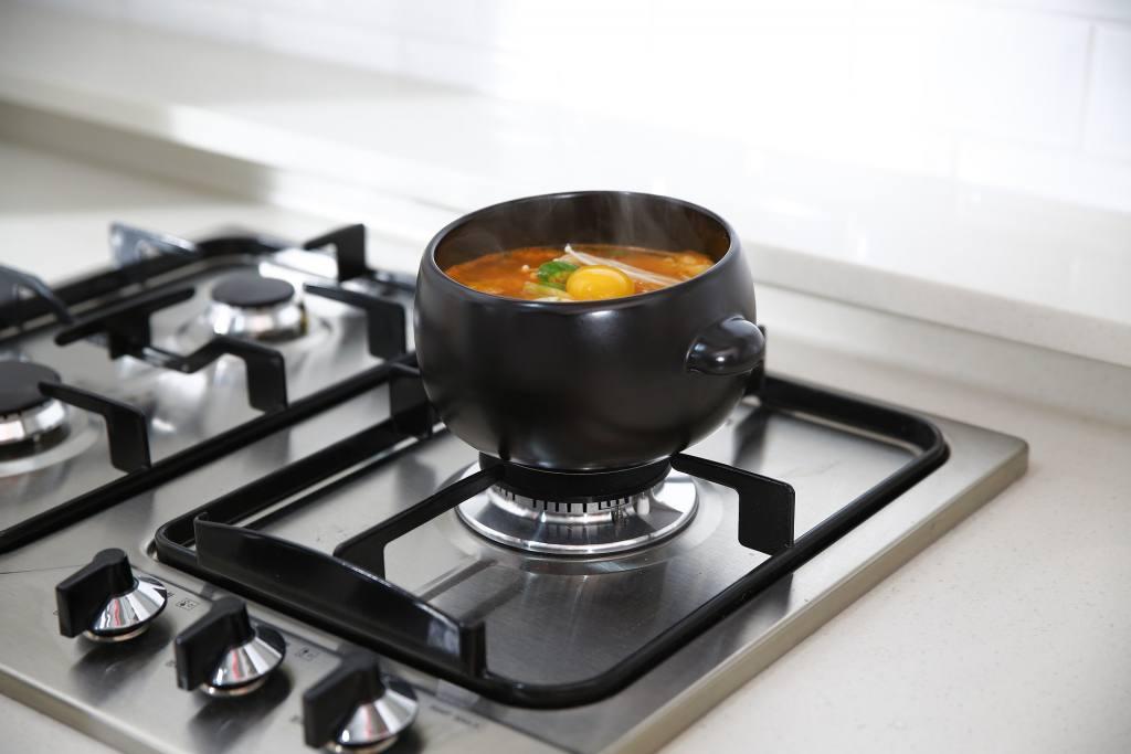 Jakie garnki na kuchenkę indukcyjną?