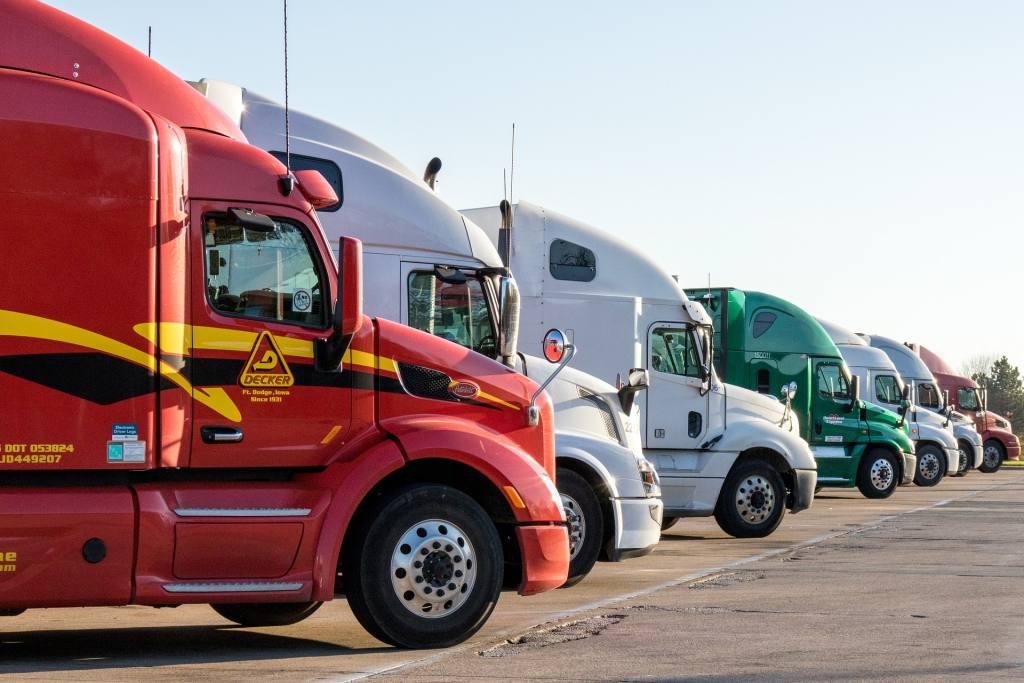 Dlaczego warto zostać kierowcą samochodu ciężarowego?