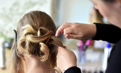 Dlaczego warto rozmawiać z fryzjerem?